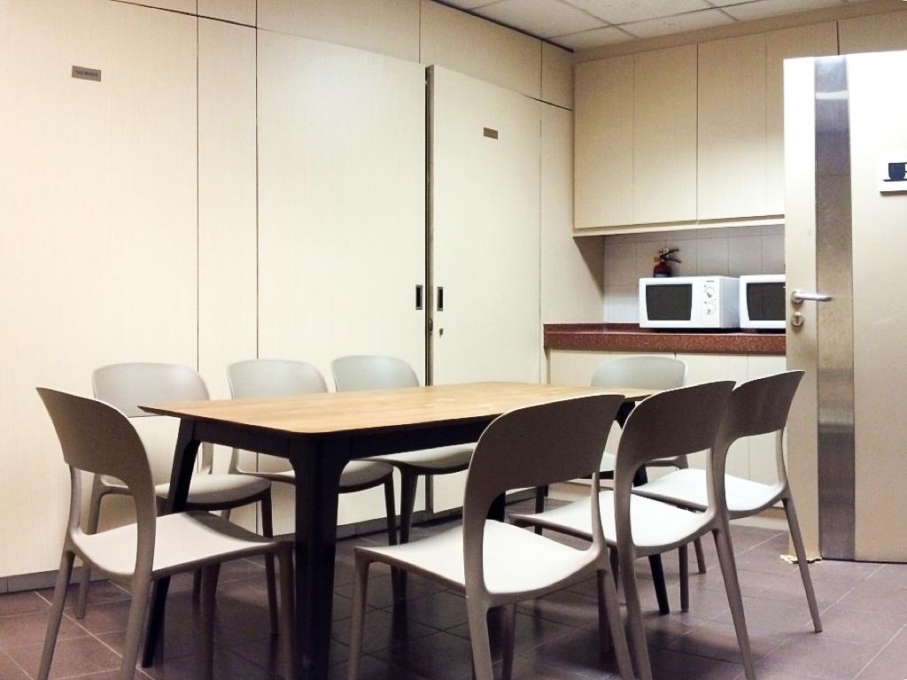 office interior design singapore